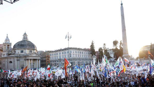 In gennaio e` aumentato il tasso di disoccupazione e la Lega Nord protesta per piazza. febbraio 2015 - Sputnik Italia