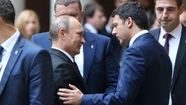 Il Presidente russo Vladimir Putin e Primo Ministro italiano Matteo Renzi a Milano - Sputnik Italia