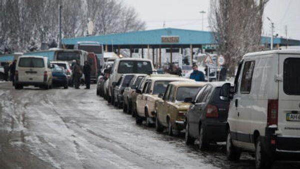 КПП Успенка на границе Украины с Россией - Sputnik Italia