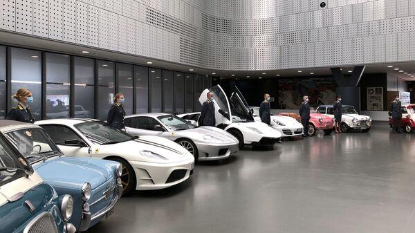 Конфискованные автомобили в Автомобильном музее Турина - Sputnik Italia