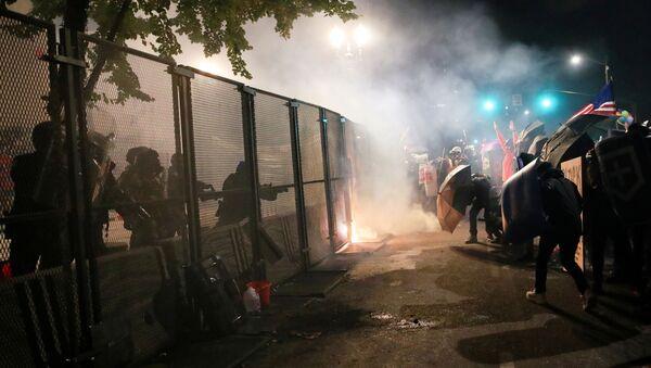 Proteste contro le diseguaglianze razziali a Portland, 24 luglio 2020. - Sputnik Italia