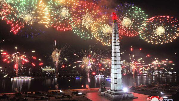 Fuochi d'artificio in occasione del 67° anniversario dell'Armistizio di Panmunjeom - Sputnik Italia