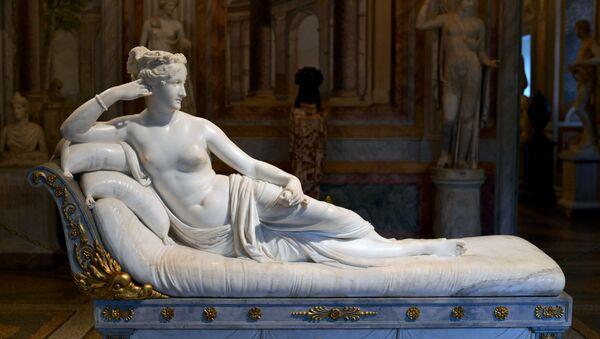 Paolina Borghese come Venere vincitrice è una scultura neoclassica di Antonio Canova, eseguita tra il 1804 e il 1808 ed esposta alla Galleria Borghese di Roma - Sputnik Italia