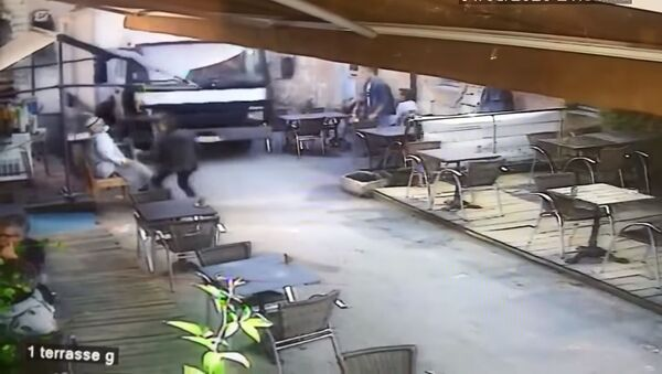 Camion ristorante francese - frame di video - Sputnik Italia