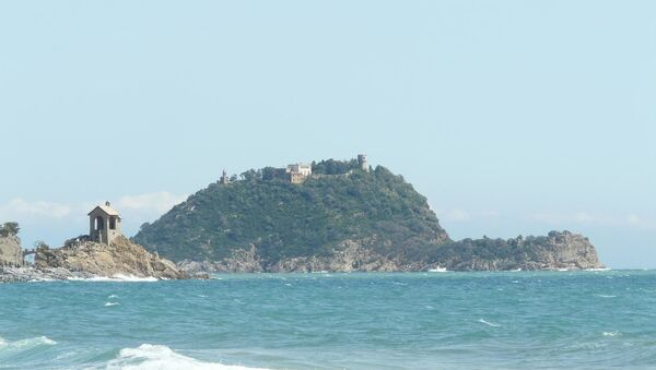 L'isola Gallinara fotografata da Alassio - Sputnik Italia