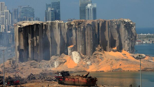 Le conseguenze della devastante esplosione presso il porto di Beirut, Libano - Sputnik Italia