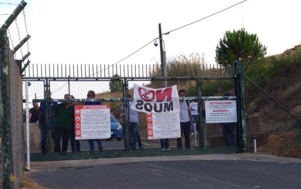 Corteo No Muos nella stazione NRFT dell'esercito USA a Niscemi, Sicilia - Sputnik Italia