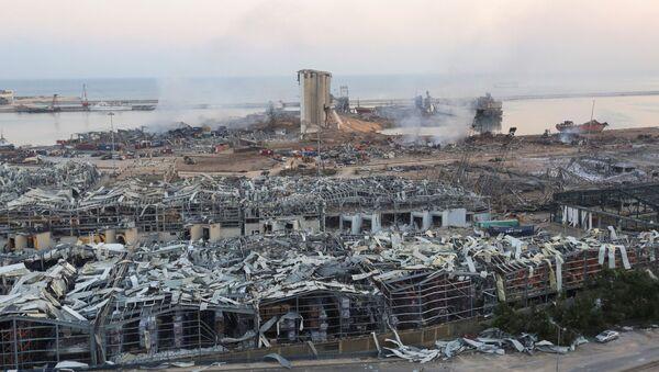 Vista sul porto di Beirut dopo l'esplosione - Sputnik Italia