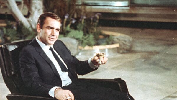 Actor Sean Connery is shown during filming the James Bond movie You Only Live Twice - Sputnik Italia
