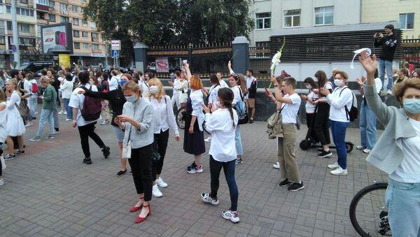 Protesta pacifica a Minsk - Sputnik Italia