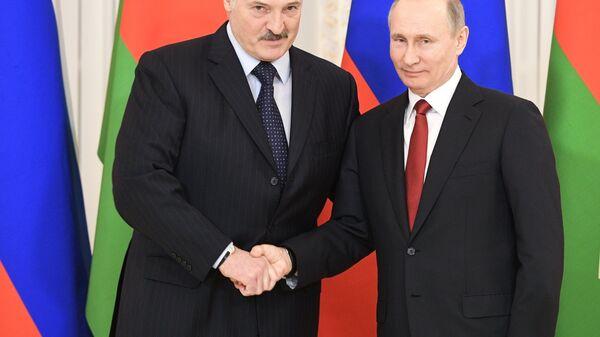 Vladimir Putin e Alexander Lukashenko - Sputnik Italia