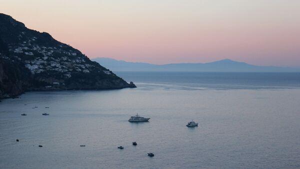 Una vista sul mare al tramonto - Sputnik Italia