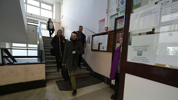 I maestri della scuola di Giulio Cesare a Roma, Italia - Sputnik Italia