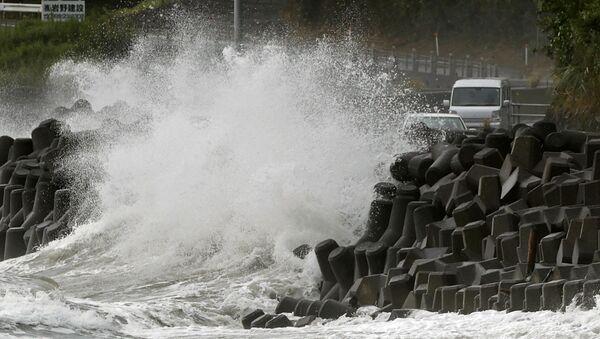 Tifone Haishen sulle coste di Kagoshima, Giappone, settembre 2020 - Sputnik Italia