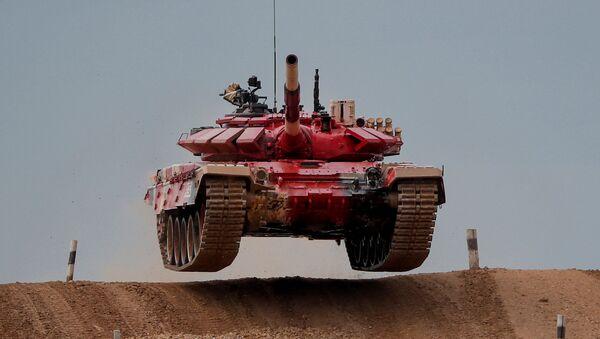 Carro armato T-72B3 russo al forum Army-2020 - Sputnik Italia