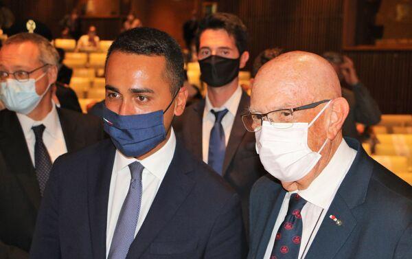 Luigi Di Maio e Mario Boselli alla cerimonia inaugurale della 31ª edizione di Milano Unica  - Sputnik Italia