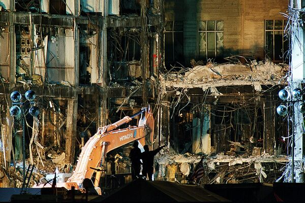 Il Pentagono dopo l'attacco terroristico dell'11 settembre 2001 a Washington - Sputnik Italia