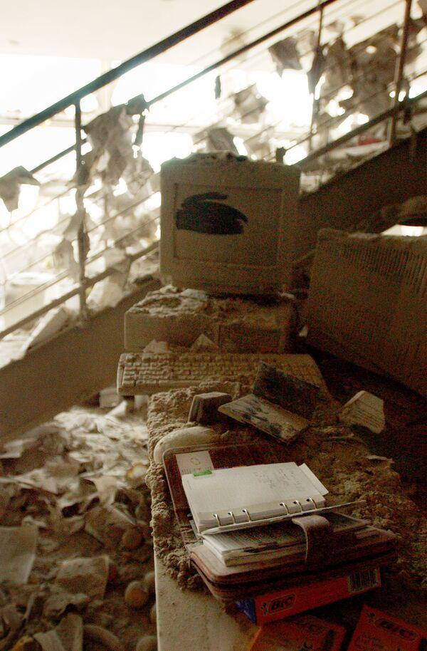 Nel 2004, infatti, Bin Laden, che inizialmente aveva negato ogni tipo di coinvolgimento, si dichiarò responsabile degli eventi dell'11 settembre. - Sputnik Italia