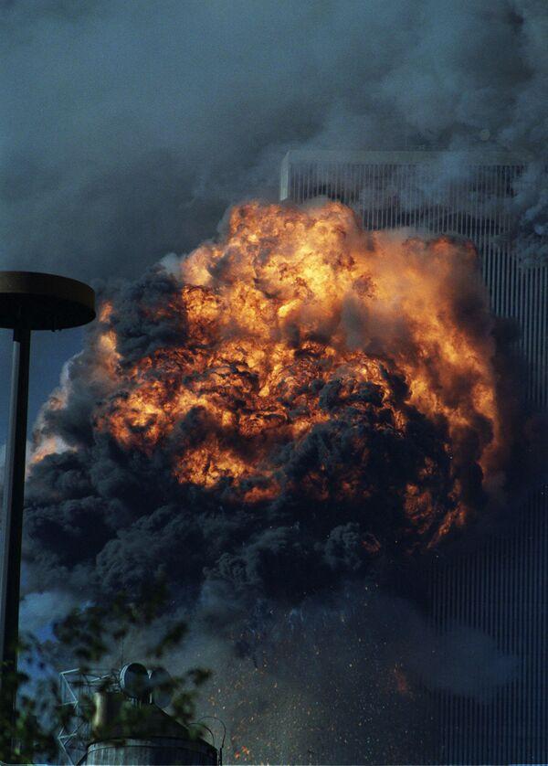 La rimozione dei detriti delle torri crollate fu completata solo nel maggio 2002. - Sputnik Italia