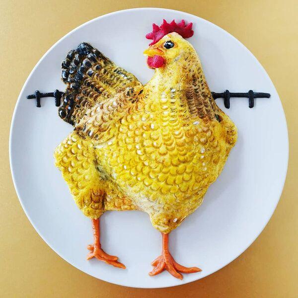 Un pollo realizzato dai prodotti commestibili da  Jolanda Stokkermans, Belgio  - Sputnik Italia