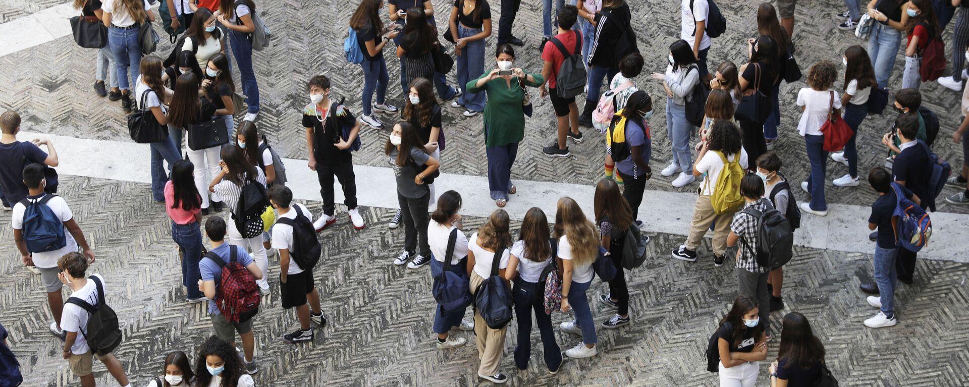 Studenti con mascherine - Sputnik Italia, 1920, 05.07.2021