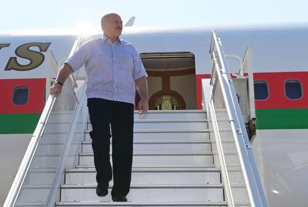 Il presidente bielorusso Aleksandr Lukashenko è arrivato a Sochi per colloqui con il presidente russo Vladimir Putin - Sputnik Italia