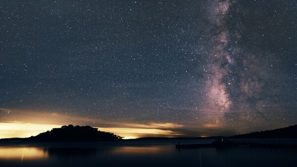 Звездное небо над фрегезией Алкева в Португалии  - Sputnik Italia