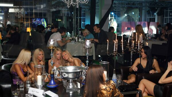 Festa in discoteca - Sputnik Italia