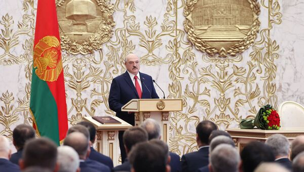 Lukashenko ha prestato giuramento come presidente bielorusso - Sputnik Italia