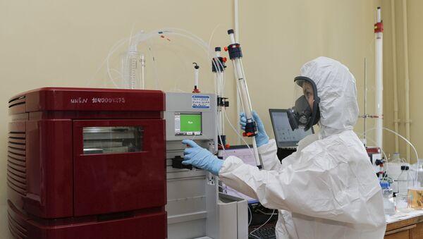 Produzione del vaccino russo contro il coronavirus - Sputnik Italia