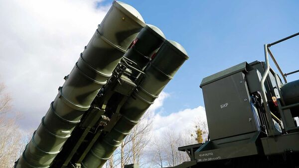 Sistema russo di difesa antiaerea S-400 (archivio) - Sputnik Italia
