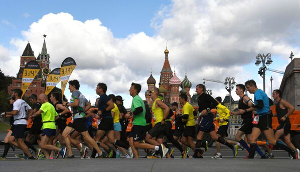 I partecipanti della maratona di Mosca - 2020 - Sputnik Italia