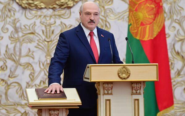 Il presidente della Bielorussia Alexander Lukashenko durante la cerimonia di insediamento a Minsk - Sputnik Italia