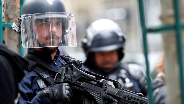 Parigi: attacco all'arma bianca vicino all'ex sede di Charlie Hebdo - Sputnik Italia
