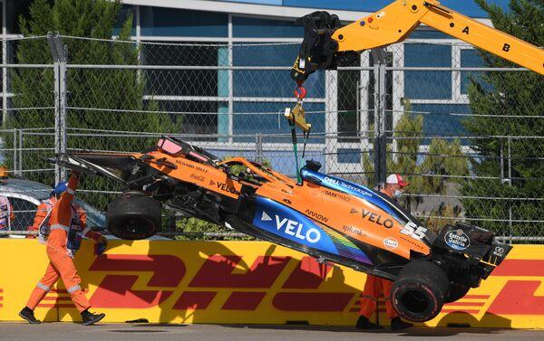 L'incidente a Carlos Sainz Jr. al GP di Sochi - Sputnik Italia