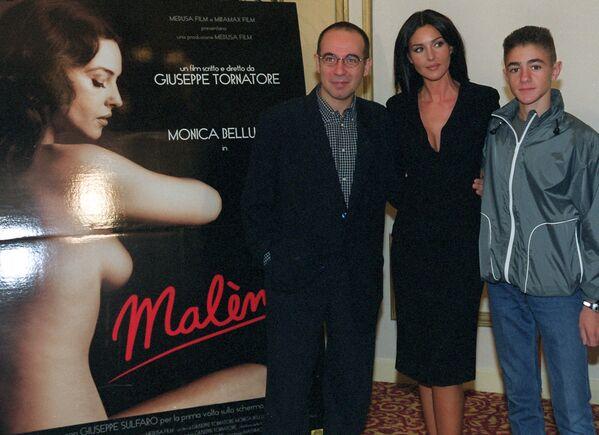 Il regista italiano Giuseppe Tornatore, l'attrice Monica Bellucci e Giuseppe Sulfaro durante la presentazione del film Malena - Sputnik Italia