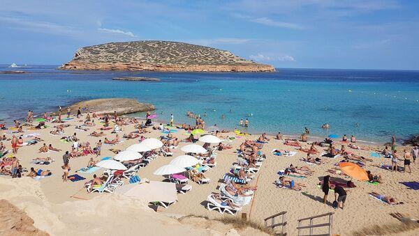 Turisti ad Ibiza (foto d'archivio) - Sputnik Italia