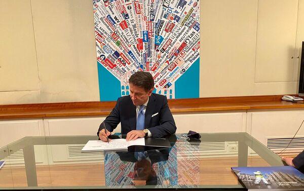 Il presidente del Consiglio Conte alla sede della Stampa Estera a Roma - Sputnik Italia