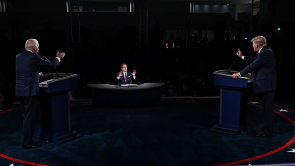 Joe Biden e Donald Trump durante il primo dibattito televisivo - Sputnik Italia