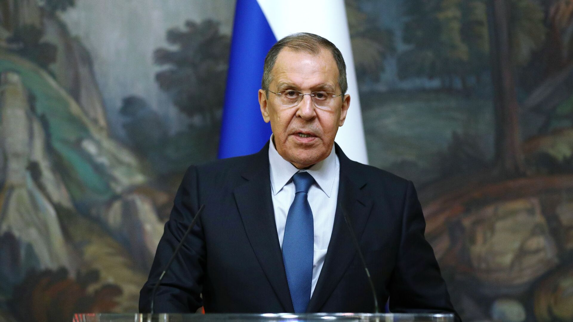 Russian Foreign Minister Sergey Lavrov delivers a joint statement after trilateral talks between Russia, Armenia and Azerbaijan over Nagorno-Karabakh ceasefire, 10 October 2020 - Sputnik Italia, 1920, 26.09.2021