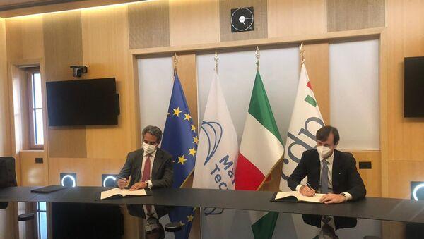 Firma del protocollo d'intesa traFabrizio Palermo, Amministratore Delegato di CDP e Pierroberto Folgiero, Amministratore Delegato di Maire Tecnimont - Sputnik Italia