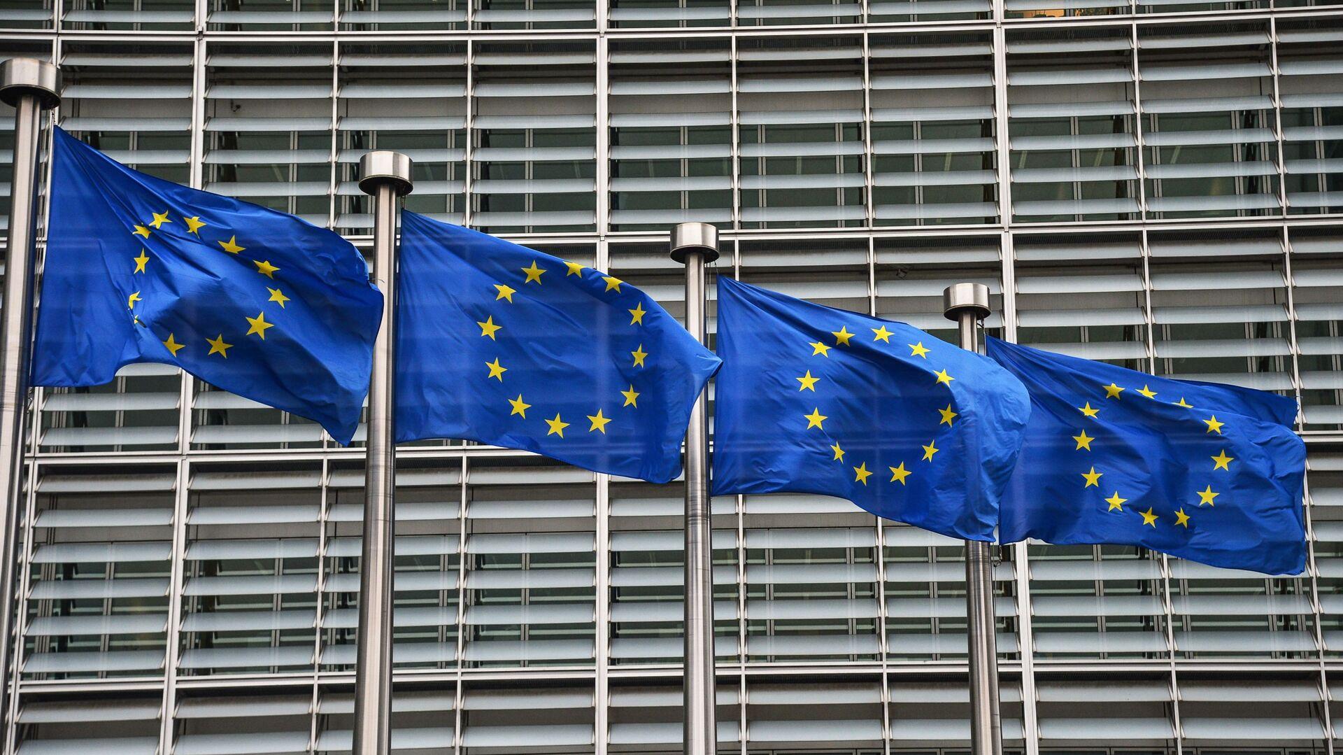 Bandiere dell'UE a Bruxelles - Sputnik Italia, 1920, 28.06.2021