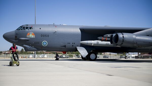 A B-52H Stratofortress assigned to the 419th Flight Test Squadron is undergoes pre-flight procedures at Edwards Air Force Base, California, Aug. 8. The aircraft conducted a captive-carry flight test of the AGM-183A Air-launched Rapid Response Weapon Instrumented Measurement Vehicle 2 at the Point Mugu Sea Range off the Southern California coast. - Sputnik Italia