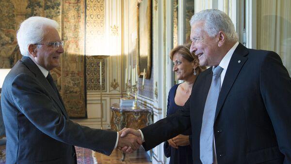 Il Presidente Sergio Mattarella con Renzo Gattegna - Sputnik Italia
