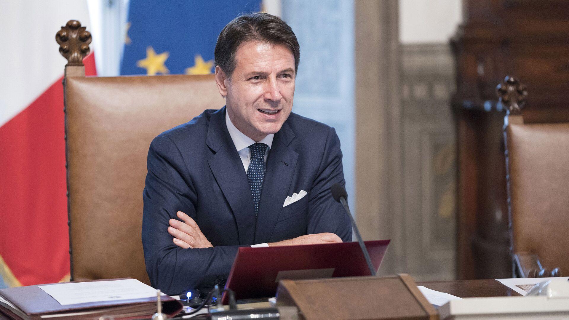 Riunione del primo Consiglio dei Ministri, Il Presidente del Consiglio, Giuseppe Conte. - Sputnik Italia, 1920, 27.09.2021