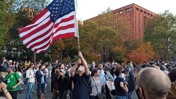 USA: sostenitori di Trump protestano davanti alla sede della Corte Suprema - Sputnik Italia