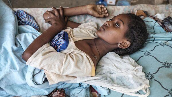 Una ragazza ferita nei combattimenti a Humera, in Etiopia - Sputnik Italia