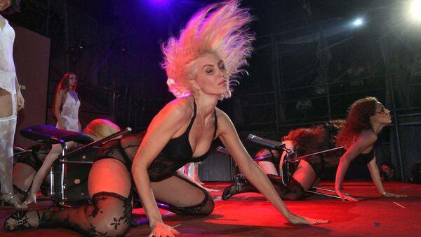 Festival del ballo erotico nel nightclub Bingo di Kiev, ca 2010 - Sputnik Italia