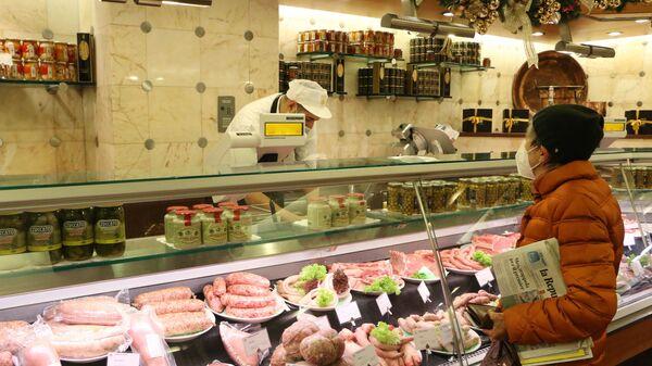 Un negozio di salumi - Sputnik Italia