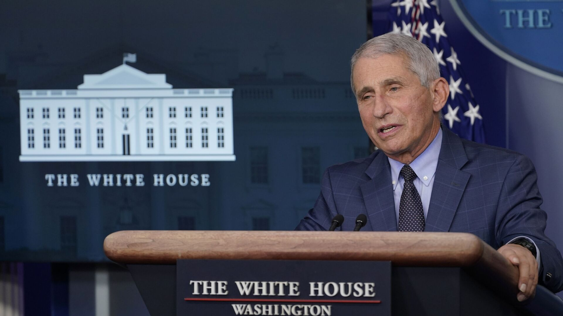 Dr. Anthony Fauci, director of the National Institute of Allergy and Infectious Diseases, speaks during a briefing with the coronavirus task force at the White House in Washington, Thursday, Nov. 19, 2020 - Sputnik Italia, 1920, 26.08.2021